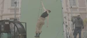 Le Roi Des Cons, court-métrage, femme, échelle, fond vert