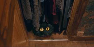 Le Petit Monstre (réalisé en VFX) dans penderie - court métrage YouTube