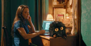 Le Petit Monstre et Emmy bureau