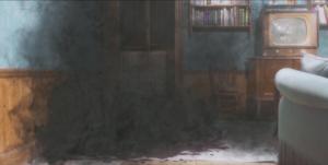 Le petit monstre - sang tapis canapé salon fumée noire