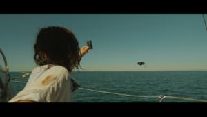 Drone au loin scannant carte