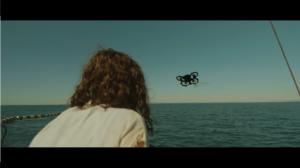 Drone face à femme