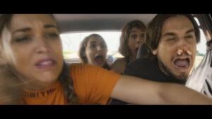 Marjorie Le Noan - Juliette Tresanini - Audrey Pirault criant dans la voiture
