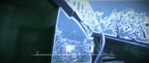 Vu immersive en VFX de Kirk, entrant dans le bâtiment. Escalier taggué