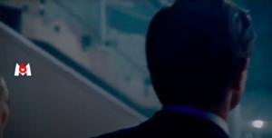Homme dans couloir du Stade de France - Vidéo de présentation des commentateurs/présentateurs Euro 2020 - VFX Effets spéciaux d'effacements - rig removal - Tronatic Studio Tours